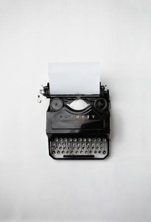 typewriter-498204_1280